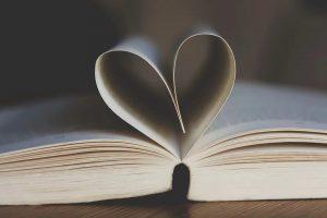 """คำว่า """" รัก """" ในมุมมองของกฎหมาย"""